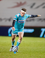 8th January 2021; AJ Bell Stadium, Salford, Lancashire, England; English Premiership Rugby, Sale Sharks versus Worcester Warriors; Duncan Weir of Worcester Warriors kicks a penalty to make the score 13-6 to Sale