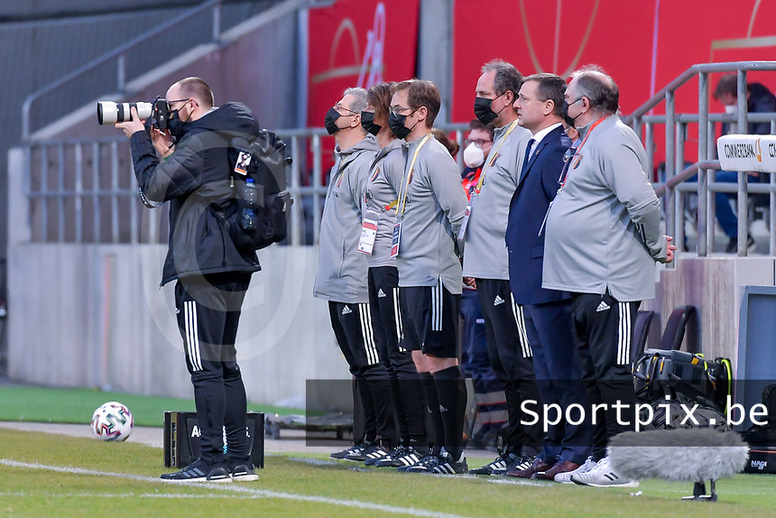 Belgian staff pictured before a friendly female soccer game between the national teams of Germany and  Belgium , called the Red Flames  in a pre - bid tournament called Three Nations One Goal with the national teams from Belgium , The Netherlands and Germany towards a bid for the hosting of the 2027 FIFA Women's World Cup , on Sunday 21 st of February 2021  in Aachen , Germany . PHOTO SPORTPIX.BE | SPP | STIJN AUDOOREN