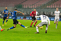 inter-bologna - milano 5 dicembre 2020 - 10° giornata serie A - nella foto: hakimi segna gol 3-1
