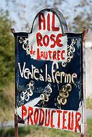 Europe/France/Midi-Pyrénées/81/Tarn/env de Lautrec: Enseigne pour la vente à la ferme de l'ail rose de Lautrec