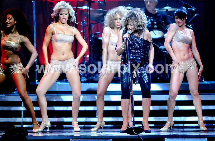 **ALL ROUND PICTURES FROM SOLARPIX.COM**.**SYNDICATION RIGHTS FOR UK AND SPAIN ONLY**.The American pop singer Tina Turner performed live with the Kings of Rythm in concert at the Lanxess Arena in Cologne. ..JOB REF:8240-CPR/Kaiser        DATE:14-01-09.**MUST CREDIT SOLARPIX.COM OR DOUBLE FEE WILL BE CHARGED* *UNDER NO CIRCUMSTANCES IS THIS IMAGE TO BE REPRODUCED FOR ANY ONLINE EDITION WITHOUT PRIOR PERMISSION*