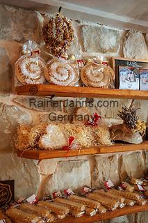 Croatia, Kvarner Gulf, Rab Island, Rab (Town):  local speciality 'Rabskatorta' | Kroatien, Kvarner Bucht, Insel Rab, Rab (Stadt): lokale Spezialitaet Rabskatorta (ein koestlicher Mandelkuchen)