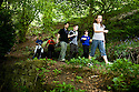 21/05/2010   Copyright  Pic : James Stewart.007_helix_green_team_walk  .::  HELIX PROJECT ::  GREENSPACE :: KIDS FROM THE HELIX GREEN TEAM ARE SHOWN AROUND THE EAST PART OF THE WOODLAND GREENSPACE BY BRAVEHEART ASSOCIATION'S ADAM DONALDSON ::..