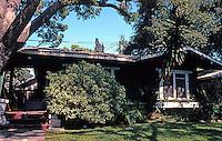 Pasadena CA: Bowen Court, 1913. One of the twenty or so bungalows. Heineman & Heineman.