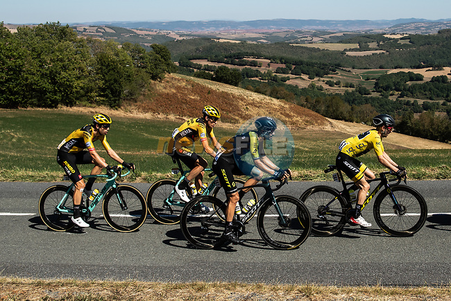 The lead group including Yellow Jersey Adam Yates (GBR) Mitchelton-Scott and Wout Van Aert (BEL) Jumbo-Visma during Stage 7 of Tour de France 2020, running 168km from Millau to Lavaur, France. 4th September 2020.<br /> Picture: ASO/Alex Broadway | Cyclefile<br /> All photos usage must carry mandatory copyright credit (© Cyclefile | ASO/Alex Broadway)