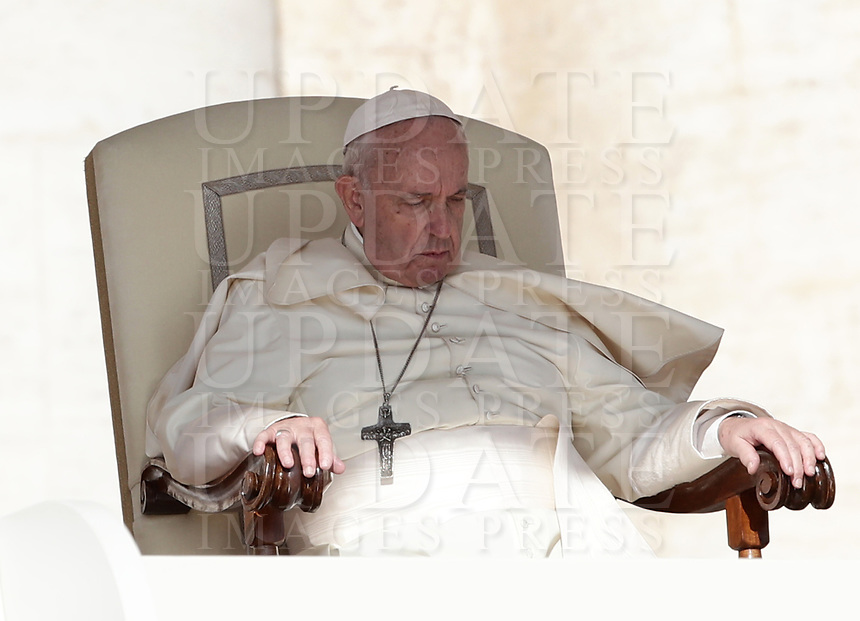 Papa Francesco tiene l'udienza generale del mercoledi' in Piazza San Pietro, Citta' del Vaticano, 11 settembre, 2019.<br /> Pope Francis leads his weekly general audience in St. Peter's Square at the Vatican, on September 11, 2019.<br /> UPDATE IMAGES PRESS/Isabella Bonotto<br /> <br /> STRICTLY ONLY FOR EDITORIAL USE