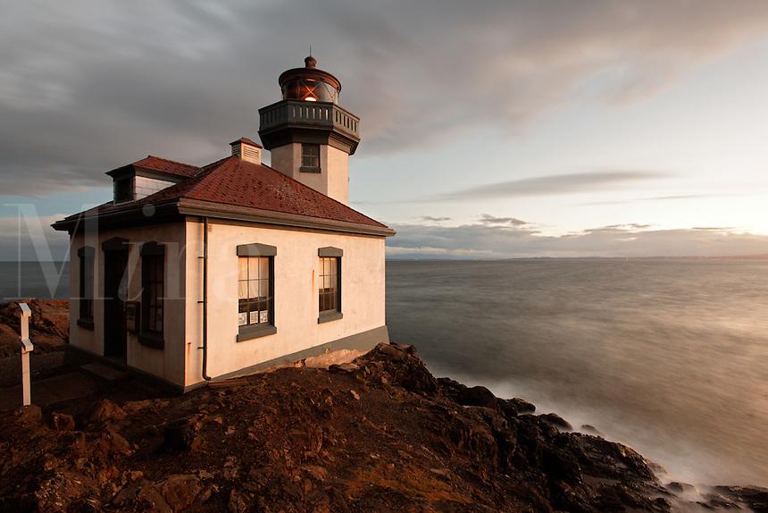 Lime Kiln Point Lighthouse, Lime Kiln Point State Park, San Juan Island, Washington, USA
