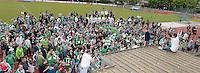 FC Izegem - RC Mechelen :<br /> <br /> spelers en supporters van RC Mechelen vieren samen de kampioenstitel<br /> <br /> foto VDB / BART VANDENBROUCKE