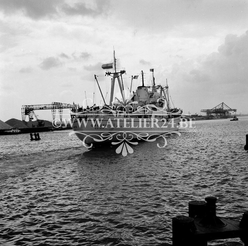 Oktober 1966. Schip Orlowo in de Haven van Antwerpen.