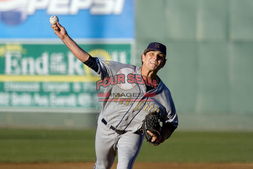 August 4, 2007: RHP Corey Riordan of the Tri-City Dust Devils delivers a pitch against the Everett AquaSox in a Northwest League game at Everett Memorial Stadium in Everett, Washington.
