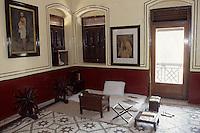 """Asie/Inde/Bombay : Maison de Ghandi """"Mani Bhavan"""" - Détail de la chambre"""