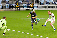ST PAUL, MN - SEPTEMBER 27: Emanuel Reynoso #10 of Minnesota United FC flicks the ball during a game between Real Salt Lake and Minnesota United FC at Allianz Field on September 27, 2020 in St Paul, Minnesota.