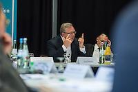 """Dialogveranstaltung """"Islamistischer Extremismus – Ursachen und Praeventionsstrategien"""" der Landeskommission Berlin gegen Gewalt.<br /> Am Mittwoch, 1. Juni 2016 fand auf Einladung des Berliner Innensenator Frank Henkel (CDU) eine Dialogveranstaltung zum Thema """"Islamistischer Extremismus – Ursachen und Praeventionsstrategien"""" mit Expertinnen und Experten aus Wissenschaft und Praxis, Politik und Verwaltung, Landesamt fuer Verfassungsschutz, Landeskriminalamt und Sport statt. Eroertert wurden Fragen wie: Welches sind die Ursachen und Bedingungsfaktoren von islamistischem Extremismus bei Jugendlichen und jungen Erwachsenen? Wie koennen Radikalisierungsprozesse erkannt werden? Welche Praeventionsangebote gibt es bereits in Berlin und wie muss gelungene Praeventionsarbeit aussehen, um vor allem die Zielgruppe der Jugendlichen und jungen Erwachsenen effektiv zu erreichen?<br /> Im Bild: Innensenator Frank Henkel bei seiner Ereoffnungsrede.<br /> Links neben Henkel: Dr. Michael Kohlstruck, Zentrum fuer Antisemitismusforschung.<br /> 1.6.2016, Berlin<br /> Copyright: Christian-Ditsch.de<br /> [Inhaltsveraendernde Manipulation des Fotos nur nach ausdruecklicher Genehmigung des Fotografen. Vereinbarungen ueber Abtretung von Persoenlichkeitsrechten/Model Release der abgebildeten Person/Personen liegen nicht vor. NO MODEL RELEASE! Nur fuer Redaktionelle Zwecke. Don't publish without copyright Christian-Ditsch.de, Veroeffentlichung nur mit Fotografennennung, sowie gegen Honorar, MwSt. und Beleg. Konto: I N G - D i B a, IBAN DE58500105175400192269, BIC INGDDEFFXXX, Kontakt: post@christian-ditsch.de<br /> Bei der Bearbeitung der Dateiinformationen darf die Urheberkennzeichnung in den EXIF- und  IPTC-Daten nicht entfernt werden, diese sind in digitalen Medien nach §95c UrhG rechtlich geschuetzt. Der Urhebervermerk wird gemaess §13 UrhG verlangt.]"""