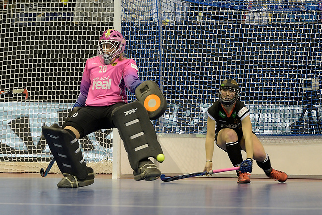 Berlin, Germany, February 10: During the FIH Indoor Hockey World Cup quarterfinal match between Germany (black) and Poland (red) on February 10, 2018 at Max-Schmeling-Halle in Berlin, Germany. Final score 3-1. (Photo by Dirk Markgraf / www.265-images.com) *** Local caption *** Julia CIUPKA #20 of Germany