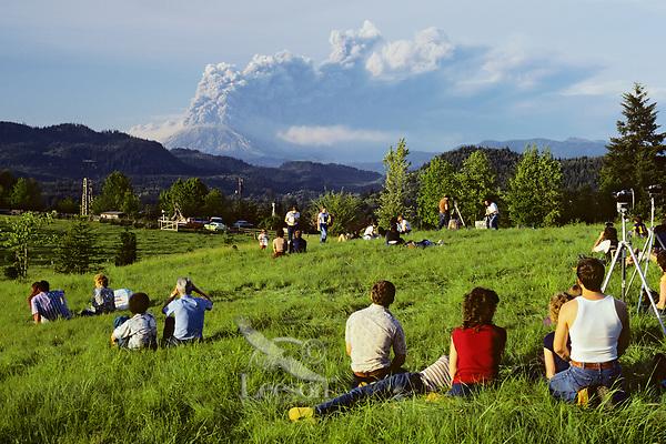 May 18, 1980 eruption of Mount Saint Helens in Washington State.  People watching eruption in rural Clark County, Washington.