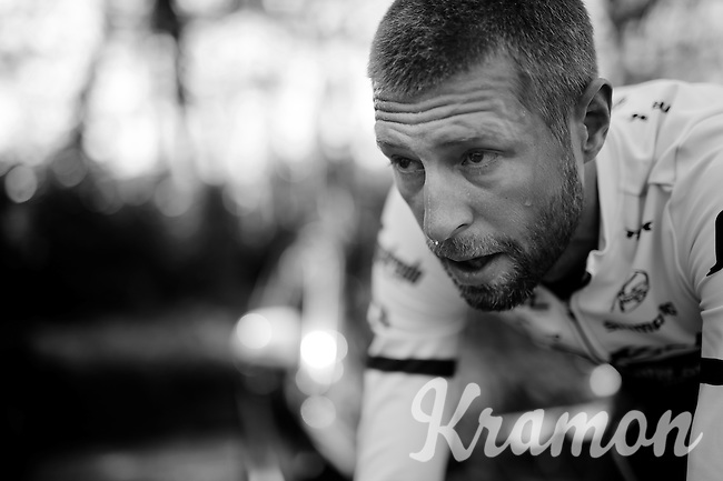 Ryder Hesjedal (CAN/Trek-Segafredo) working up a sweat during a roller session in the morning before leaving for stage 1: the Apeldoorn 9.8km prologue<br /> <br /> 99th Giro d'Italia 2016