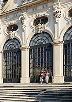Treppenaufgang zum Oberen Belvedere im barocker Sommerresidenz Belvedere, Wien, Österreich, UNESCO-Weltkulturerbe<br /> Stairway to upper Belvedere in Baroque summer residence Belvedere, Vienna, Austria, world heritage
