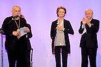 Charlotte Rampling Francis Perrin Jacques Mailhot et Alain Casabona - REMISE DU PRIX ALPHONSE ALLAIS 2016 AU THEATRE DES DEUX ANES
