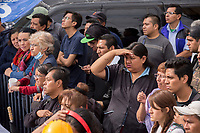 People watch as rescue volunteers try to find survivors in the corner of Bolivar street with  Chimalpopocain dowtown Mexico, two days after a 7.1 eartquake shake the capital of the country l.<br /> 21/09/2017.