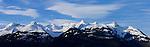 Schweizer Berge, Alvier Kette, im Rheintal des Kanton St. Gallen von Schaan aus gesehen. Swiss mountains Alvier masif in the Rhine Valley seen from Schaan, Liechtenstein. Von links: Gauschla, Alvier, Fulfirst und Margelkopf.