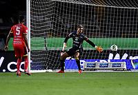 BOGOTA - COLOMBIA, 18-02-2021: Cristian Arango de Millonarios F. C. (Fuera de Cuadro) anota gol a Jose Contreras de Deportivo Pasto, durante partido entre Millonarios F. C. y Deportivo Pasto de la fecha 7 por la Liga BetPlay DIMAYOR I 2021 jugado en el estadio Nemesio Camacho El Campin de la ciudad de Bogota. / Cristian Arango of Millonarios F. C. (Out of Pic) scored a goal to Jose Contreras of Deportivo Pasto, during a match between Millonarios F. C. and Deportivo Pasto of the 7th date for the BetPlay DIMAYOR I 2021 League played at the Nemesio Camacho El Campin Stadium in Bogota city. / Photo: VizzorImage / Luis Ramirez / Staff.
