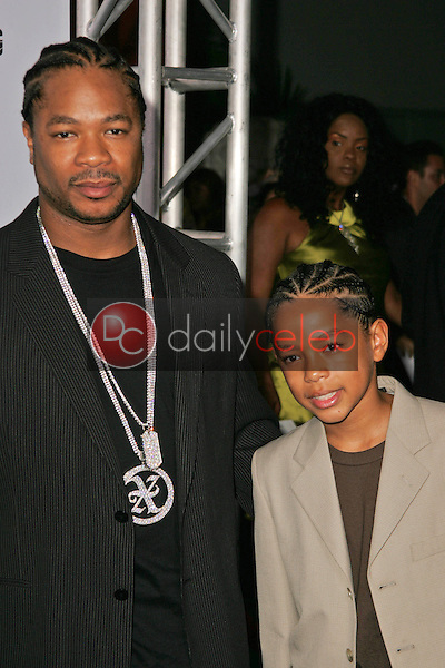 """Xzibit and son Tremaine<br />at the Los Angeles Premiere of """"Gridiron Gang"""". Grauman's Chinese Theatre, Hollywood, CA. 09-05-06<br />Dave Edwards/DailyCeleb.com 818-249-4998"""