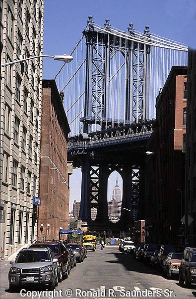 MANHATTAN BRIDGE FROM BROOKLYN STREET