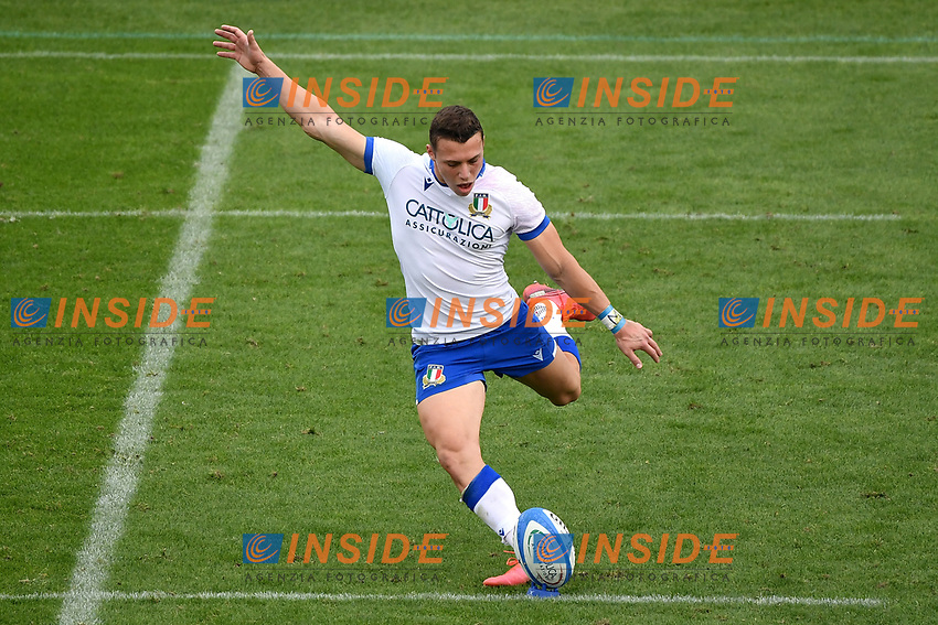A kick of Paolo Garbisi of Italy during the rugby Autumn Nations Cup's match between Italy and Scotland at Stadio Artemio Franchi on November 14, 2020 in Florence, Italy. Photo Andrea Staccioli / Insidefoto