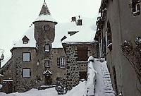 Europe/France/Auvergne/15/Cantal/Salers: La rue de la Martille et la maison Bertranoy