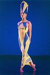 LYTHIC (Extrait de PRISM 1956 crée à l'Henry Street Playhouse, New York City)<br /> <br /> Chorégraphie, son, lumières, costumes : Alwin Nikolais<br /> Danseurs de la compagnie : Snezana Adjanski, Chia-Chi Chiang, Melissa McDonald, Liberty Valentine<br /> Compagnie : Ririe - Woodbury Dance Company<br /> Lieu : Théâtre de la Ville<br /> Ville : Paris<br /> Date : 23/03/2004