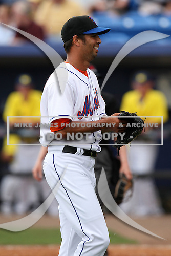 March 21, 2010:  Starting Pitcher Nelson Figueroa (27) of the New York Mets during a Spring Training game at Tradition Field in St. Lucie, FL.  Photo By Mike Janes/Four Seam Images