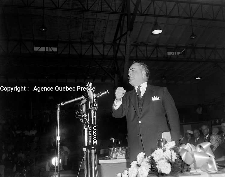Assemblee de L'Union Nationale a Shawinigan - Discours de Maurice Bellemarre,<br /> le 13 juin 1960<br /> <br /> Photographe : Photo Moderne - Agence Quebec Presse