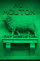 An antique sign in rue du Four: It is a statue that represents a ram (Paris, 2010).<br /> <br /> Un'antica insegna in rue du Four: E' una statua che rappresenta un montone (Parigi, 2010).
