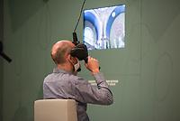 Wiedereroeffnung des Juedischen Muesum in Berlin.<br /> Im Bild: Ein Besucher mit einer 3D-Brille macht einen virtuellen Rundgang durch eine Synagoge.<br /> 18.8.2020, Berlin<br /> Copyright: Christian-Ditsch.de<br /> NUR FUER REDAKTIONELLE ZWECKE! Werbung nur auf Anfrage beim Fotografen. [Inhaltsveraendernde Manipulation des Fotos nur nach ausdruecklicher Genehmigung des Fotografen. Vereinbarungen ueber Abtretung von Persoenlichkeitsrechten/Model Release der abgebildeten Person/Personen liegen nicht vor. NO MODEL RELEASE! Don't publish without copyright Christian-Ditsch.de, Veroeffentlichung nur mit Fotografennennung, sowie gegen Honorar, MwSt. und Beleg. Konto: I N G - D i B a, IBAN DE58500105175400192269, BIC INGDDEFFXXX, Kontakt: post@christian-ditsch.de<br /> Bei der Bearbeitung der Dateiinformationen darf die Urheberkennzeichnung in den EXIF- und  IPTC-Daten nicht entfernt werden, diese sind in digitalen Medien nach §95c UrhG rechtlich geschuetzt. Der Urhebervermerk wird gemaess §13 UrhG verlangt.]