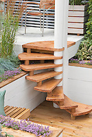 Sunken deck and steps stairs