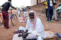 BURKINA FASO , Koudougou, muslim at grand mosque / Muslime an der Grossen Moschee