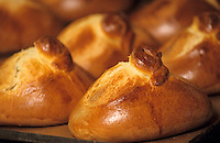 """Europe/France/Auvergne/12/Aveyron/Laguiole: Les fouaces de l'Aubrac de Mme Roux de la Boulangerie-pâtisserie """"Roux"""""""