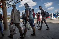 Migranti alla stazione dei bus a Belgrado <br /> Migrants at the bus station in Belgrade