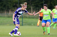 20150904 - TUBIZE , BELGIUM : Anderlecht's Nadine Hanssen (left) pictured with Genk's Kelly Paulus during a soccer match between the women teams of RSC Anderlecht and KRC Genk Ladies  , on the second matchday of the 2015-2016 SUPERLEAGUE season, Friday 4  September 2015 . PHOTO DAVID CATRY