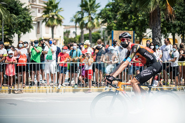 Wout Poels (NED) Bahrain Victorious arrives at sign on before the start of Stage 8 of La Vuelta d'Espana 2021, running 173.7km from Santa Pola to La Manga del Mar Menor, Spain. 21st August 2021.     <br /> Picture: Charly Lopez/Unipublic | Cyclefile<br /> <br /> All photos usage must carry mandatory copyright credit (© Cyclefile | Unipublic/Charly Lopez)