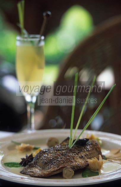 Asie/Birmanie/Myanmar/Yangon: Filet de bar à la Citronnelle et curry d'oignon blanc - Recette de Bruno Oustric chef de l'hôtel Pan Sea