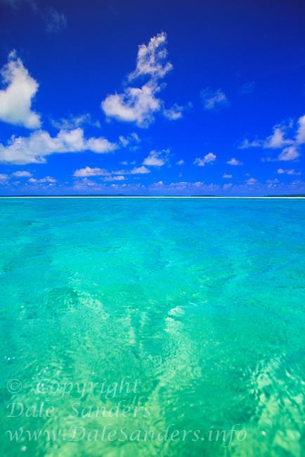 Aitutaki Lagoon, Cook Islands in the South Pacific.