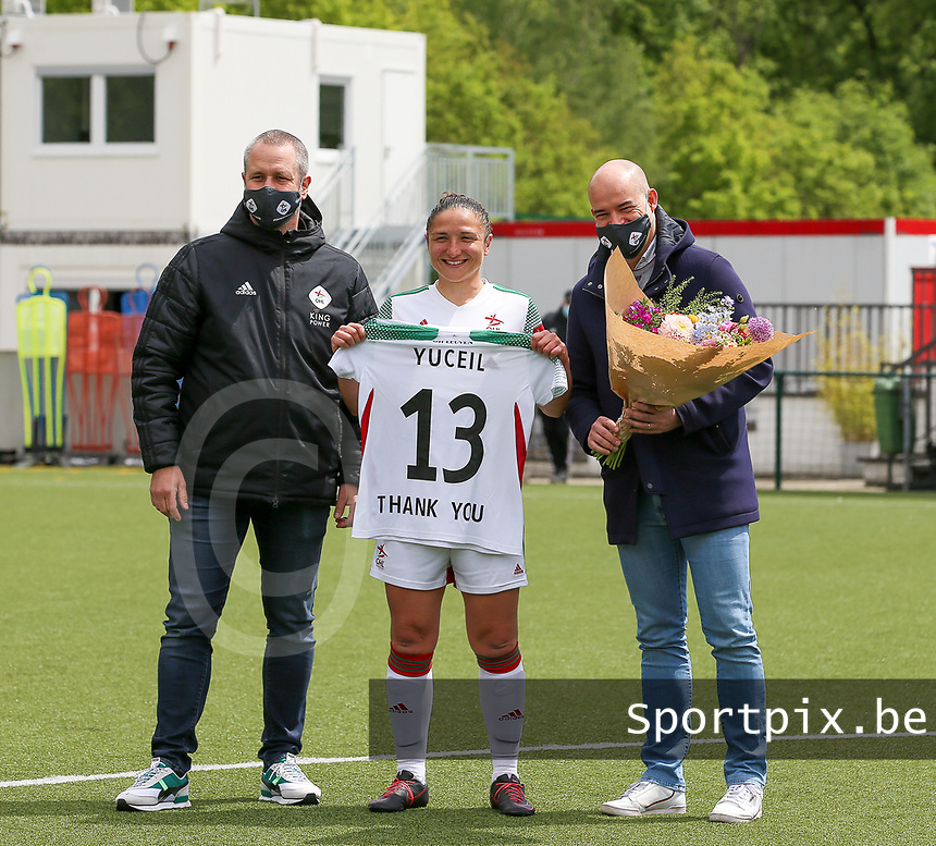 Sara Yuceil (13) of OHL is given a flowers and a match shirt for her contribution to the club over the years as a player<br /> before a female soccer game between Oud Heverlee Leuven and AA Gent Ladies on the 9 th matchday of play off 1 in the 2020 - 2021 season of Belgian Womens Super League , saturday 22 nd of May 2021  in Heverlee , Belgium . PHOTO SPORTPIX.BE | SPP | SEVIL OKTEM