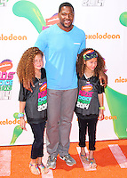WESTWOOD, LOS ANGELES, CA, USA - JULY 17: Isabella Strahan, Michael Strahan, Sophia Strahan at the Nickelodeon Kids' Choice Sports Awards 2014 held at UCLA's Pauley Pavilion on July 17, 2014 in Westwood, Los Angeles, California, United States. (Photo by Xavier Collin/Celebrity Monitor)