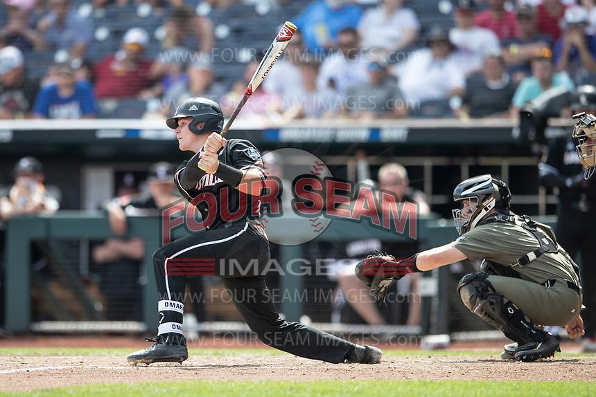 Louisville Cardinals catcher Henry Davis (32) during the 2019 College World Series in Omaha, Nebraska. (Andrew Woolley/Four Seam Images)