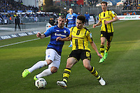 Jerome Gondorf (SV Darmstadt 98) gegen Raphel Guerreiro (Borussia Dortmund)- 11.02.2017: SV Darmstadt 98 vs. Borussia Dortmund, Johnny Heimes Stadion am Boellenfalltor