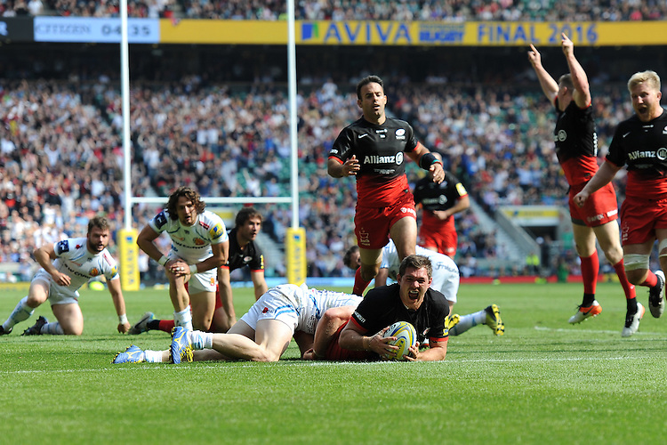 Brad Barritt of Saracens touches down to score the final try to win the Aviva Premiership Rugby Final between Saracens and Exeter Chiefs at Twickenham Stadium on Saturday 28th May 2016 (Photo: Rob Munro/Stewart Communications)