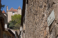 Europe/Europe/France/Midi-Pyrénées/46/Lot/Puy-l'Evèque: Rue des Bateliers et Vieille demeure