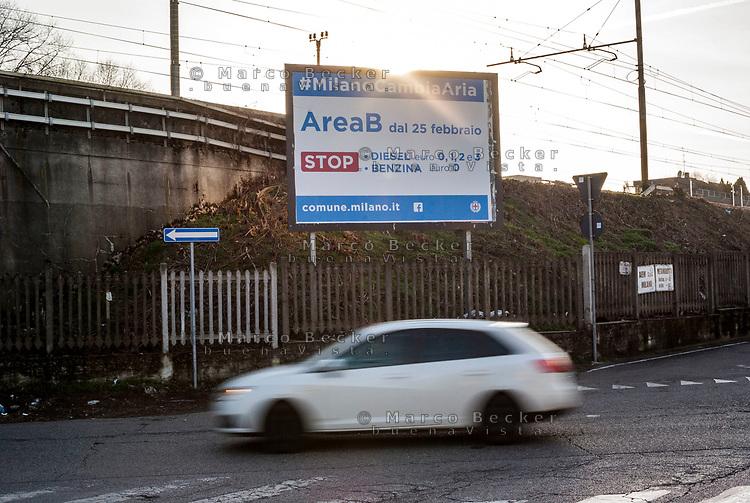 Milano, periferia nord, tabellone informativo per la nuova zona a traffico limitato (ztl) Area B --- Milan, north periphery,  billboard displaying information about new limited traffic zone AreaB
