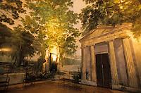 Europe/Italie/Emilie-Romagne/Bologne : Portail du Palais Hercolani - Pièce peinte en trompe-l'oeil
